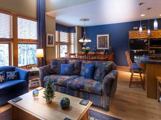 Monashee Magic - Deluxe 3 bedroom plus den townhome