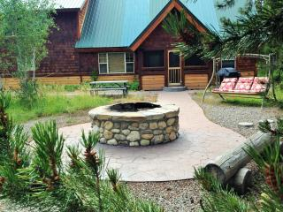 River Front Cabin | 3 Bedroom | 2 Bath | Sleeps 12, Island Park