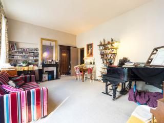 1-bedroom in central Paris