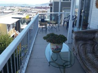 Spectacular Bay View Lower Russian Hill 2 Br 1 Ba
