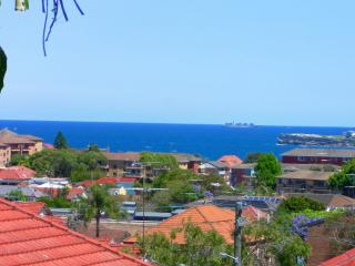 Detached house with sea views, near beaches, Bronte