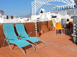Penthouse with terrace 85m2 center, 2 min beach, Nerja