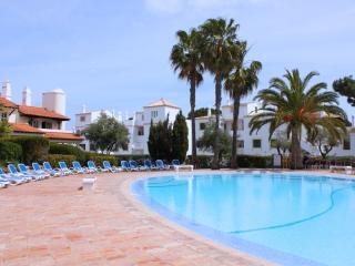 Fuji Green Villa, Vilamoura, Algarve