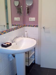 baño planta superior, completo