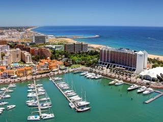 Seashore Beige Apartment, Vilamoura, Algarve