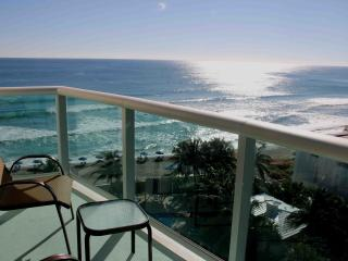 GREAT 2 BEDROOM APARTMENT JUST ON THE BEACH!, Hollywood