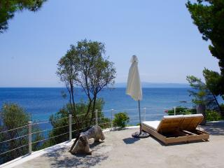 Beachfront private villa, Ciudad de Skiathos