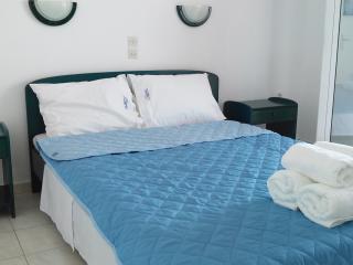 Natural Blue Green Attic apartment, Acharavi