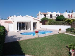 Coral Bay- Front Line- Outstanding Sea Views- Pool, Peyia