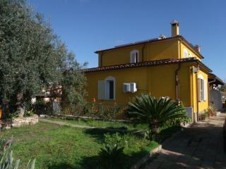 Trilocale con giardino, Via Messina