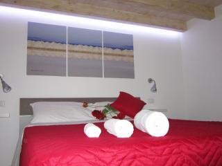Primo Piano Settembrini alloggio per finalità turistiche art.53del D.Lgs.79/2011