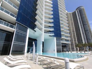 Jade Ocean Luxury Condominium! Direct Oceanfront., Sunny Isles Beach