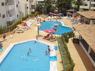 Adorable Apartment with Pool near to the Beach, Olhos de Agua