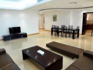 4 Bedroom Apartment In Sheikh Zayed Road, Dubái