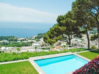 Villa Fortino, Sleeps 10, Capri