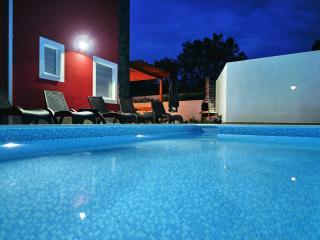 Luxury villa Amor, Slatine