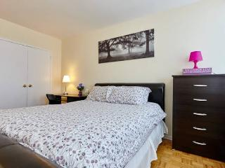MODERN X-LARGE furnished suite Cable+Net 26 floor!, Toronto