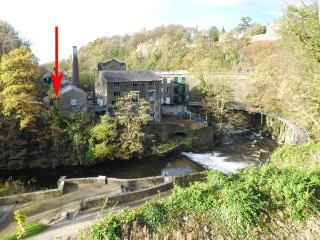 THE CLOCKING IN HOUSE next to Grade II* listed mill, near river in New Mills Ref