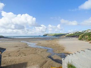 4 TIDES REACH BUNGALOWS, just yards from the beach, ideal for families, off road parking, front and rear patios, in Polzeath, Ref 930023