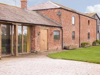 THE BARN, superb family holiday home, en-suites, plenty to see and do in the area, in Cockshutt, Ellesmere, Ref 930312