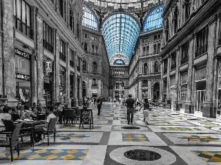 Galleria UmbertoI° Difronte all'appartamento
