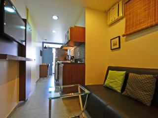 Ample luxurious studio in Copacabana with side view to the sea to up to 3 people. C088, Rio de Janeiro