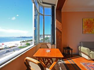 2 bedroom apartment for vacation rental in Atlantica Avenue at Copacabana beach. D058, Rio de Janeiro