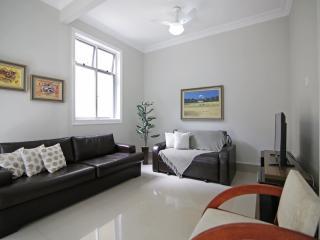 Renovated two-bedroom apartment in Copacabana D002, Rio de Janeiro