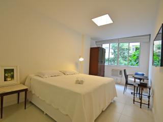 Vacation rentals in Leme C010, Rio de Janeiro