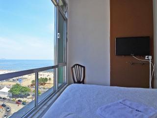 Copacabana Vacation Beach View Apartment C053, Rio de Janeiro