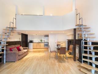 2 bed Kensington flat near Hyde Park & musuems, London