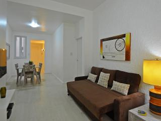Confortable apartment in Copacabana T025