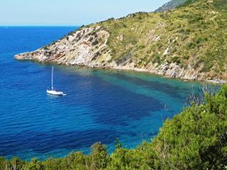 Elba, Nisportino a 100 mt dal mare