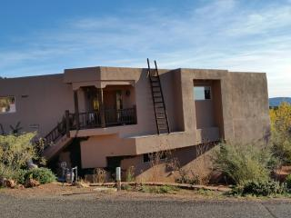 3Br - 2500ft2 - Gorgeous Furnished Sedona Rental