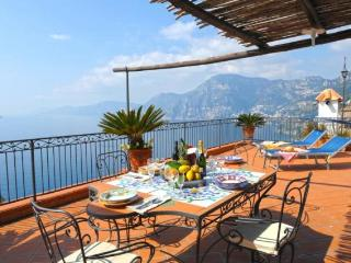 Villa Mari - seaview towards Positano and Capri, Praiano