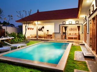 3BD Seminyak/Petitenget, 500meters to Potato Head