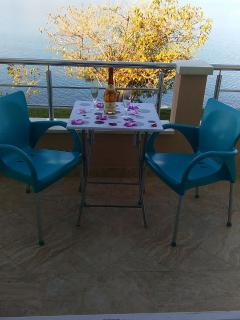 A6(2+2): terrace