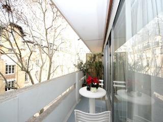 Le Duo apartment in 11ème - La Bastille {#has_lux…