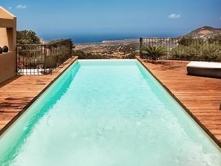 Beautiful Corsican villa with pool, Cateri