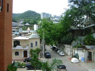 V399 - 203 Casa de Chico ~ RA45201
