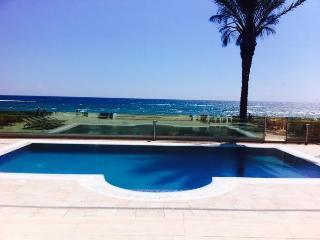 Tropikana villa, Dhekelia