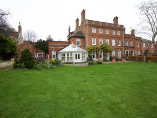 Luxury apartment nr Lincoln Cathedral, the apartment has 2 separate double rooms