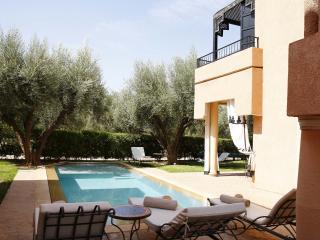 ABALYA 23 : Villa avec piscine privée et services., Marrakech