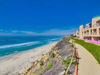 Beachfront Rentals San Diego - Solana Beach condo, steps to the beach and racetr
