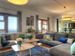 Apolonia IV apartment in Graça {#has_luxurious_am…