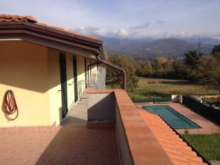 Appartamento con piscina, Mulazzo