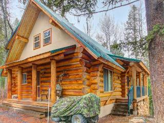 Peaceful w/ pool table, outdoor firepit, 10-min to town!, McCall