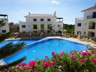 Modern 2 bedroom apartment in O Pomar Village, Cabanas