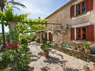 Precious traditional Majorcan farm house for 8 per, Mal Pas