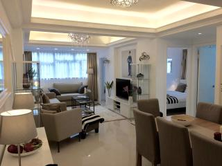 NEW! LUXURY! 4 BED/2BATH TSIM TSA TSUI 1 MIN MTR!, Hong Kong